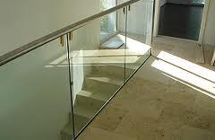 brüstungen aus glas